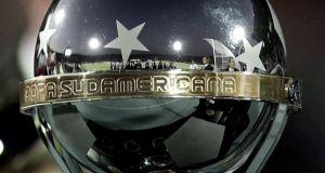 Estudiantes vs Peñarol: dos históricos coperos frente a frente