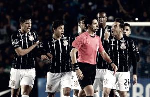 Rodriguinho e Kazim são punidos pela Conmebol e não disputam estreia da Libertadores