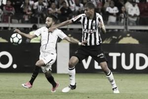 No dia em que faz 108 anos, Corinthians enfrenta Atlético-MG para se aproximar do G-6