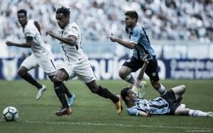 Volante Paulo Roberto tem contrato renovado com Corinthians por dois anos