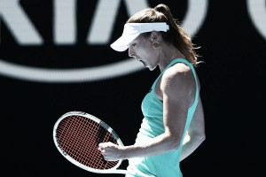 WTA Charleston: Alize Cornet breezes past Kateryna Bondarenko in one-sided affair