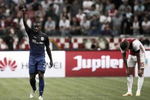 Ajax reage com gol de estreante, mas fica no empate em casa diante do PAOK
