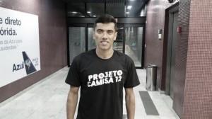Projeto Camisa 12: Desejado por diretoria, Carlinhos Paraíba chega ao Recife para acertar retorno ao Santa Cruz