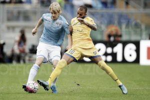 Com dificuldades, Lazio supera Frosinone e assume terceiro lugar