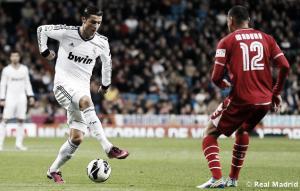 Cristiano Ronaldo flota sobre una balsa de aceite