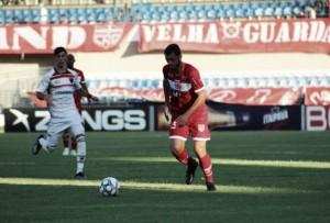 Com gol de Pedrinho, Oeste vence CRB fora de casa na abertura do returno da Série B