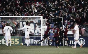El Real Madrid rasca un empate de Pamplona