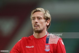 Peter Crouch agrees new Stoke deal to stay at the Potters until 2018