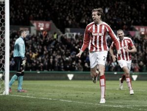 Stoke City 1-0 Hull City: Peter Crouch header tames Tigers