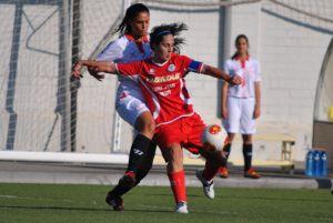 El Sevilla Femenino deja escapar su primera victoria fuera de casa