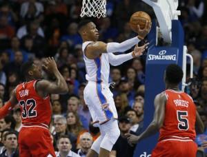NBA - Oklahoma demolisce i Bulls; Lillard e McCollum super, Orlando cade