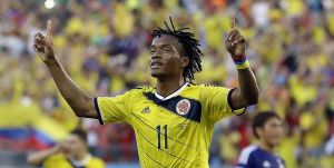 Cuadrado signs new Fiorentina contract
