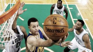 Curry guía la remontada de los Warriors