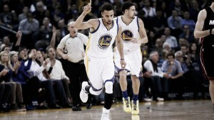 Resumen NBA: Warriors y Spurs continúan imparables, Washington sorprende a Chicago