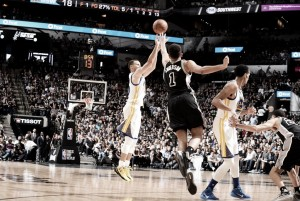 Resumen NBA: los Warriors entran en la historia; Chicago fuera de 'playoffs'