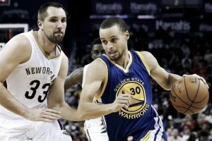 Curry acude al rescate de Golden State Warriors