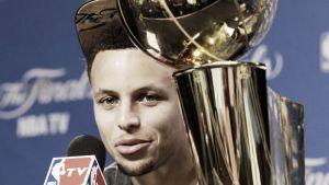 Curry pudo con los cuatro fantásticos