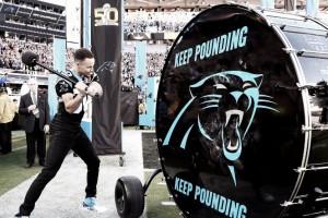 Stephen Curry sufrió con la derrota de los Panthers en el Super Bowl