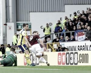 El Burnley gana tres puntos trabajados ante el Everton