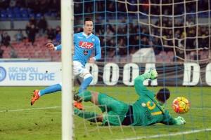 Los modestos y el campeón siguen adelante en la Coppa