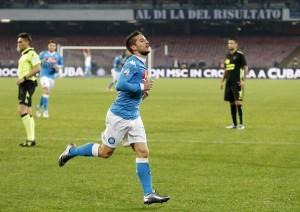 Un Napoli cinico e micidiale ne fa 3 al Verona e si lancia ai quarti contro l'Inter
