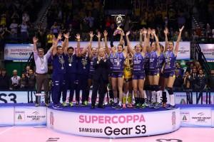 Volley F - L'Imoco Conegliano conquista la sua prima Supercoppa italiana. La Foppapedretti Bergamo è battuta