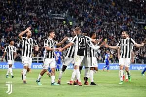 Terminata Crotone - Juventus, LIVE Serie A 2017/18 (1-1): Pareggio eroico per gli Squali