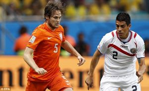 Daley Blind signs for Manchester United in £14 million deal
