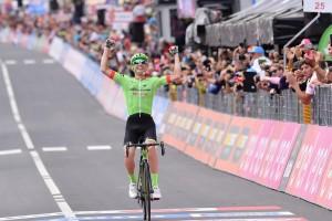 Giro d'Italia 2017, 17° tappa: a Canazei, capolavoro di Rolland, Dumoulin resta in rosa