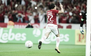 Na estreia de Camilo e Damião, Inter bate Goiás com gols de atacantes e chega à vice-liderança