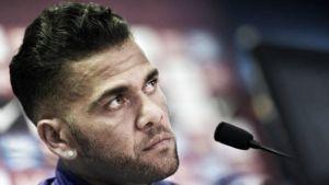 """Barcellona, Dani Alves attacca la dirigenza: """"Sono quasi fuori dal Barça"""""""
