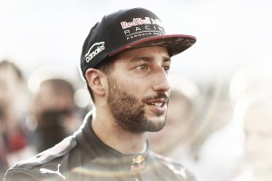 """Daniel Ricciardo: """"Sebastian Vettel a veces no piensa antes de actuar"""""""