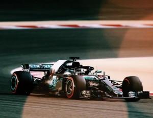 """F1, Gp della Cina - Hamilton chiarisce con Verstappen: """"Nel dopo-gara l'adrenalina è a mille!"""""""