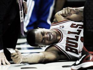 Derrick Rose, lesionado a las primeras de cambio