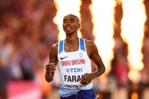 World Athletics Championships: Mo Farah takes gold in thrilling 10,000m contest