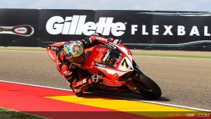 Chaz Davies hace ganar una manga a Ducati tres años después