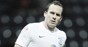 Kevin Davies in talks over Preston coaching role