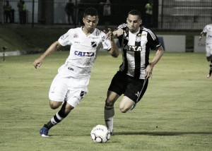 ABC busca empate duas vezes contra Figueirense e permanece no meio da tabela