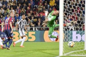 La Juventus frena a Crotone: l'eurogoal di Simy regala il pareggio agli Squali
