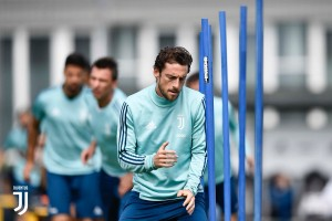 Juventus - Mandzukic e De Sciglio si allenano in gruppo