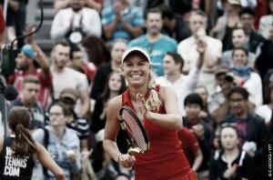WTA Eastbourne - Konta supera Ostapenko in tre set, bene Kerber, Wozniacki in semifinale