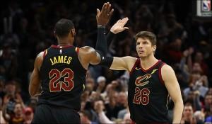 NBA Playoffs - I Cavs puniscono i cambi difensivi e i Celtics cercano risposte