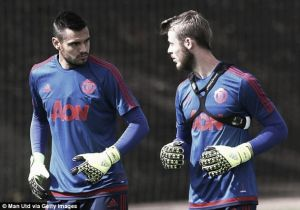 Sergio Romero content with playing second fiddle to David de Gea