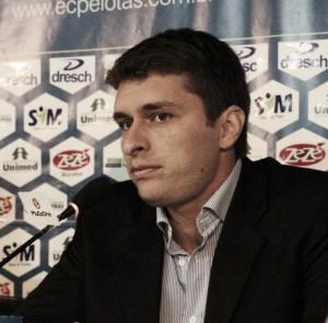 Grêmio anuncia Thiago Gomes como técnico do grupo de transição