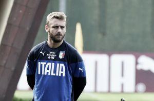 """Italia, De Rossi: """"Con Balotelli ottimo rapporto, pronto a fare tutti i ruoli"""""""