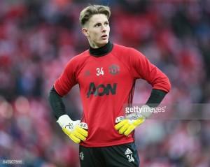 Man Utd goalkeeper Dean Henderson joins Shrewsbury Town on loan