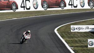 Davide Giugliano logra el mejor tiempo del viernes en Magny-Cours