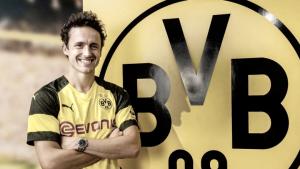Borussia Dortmund sign Werder Bremen midfielder Thomas Delaney