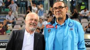 Napoli, De Laurentiis in tribuna a Dimaro: abbracci, sorrisi e...