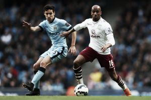 Richards admits Delph has asked him about life at Manchester City